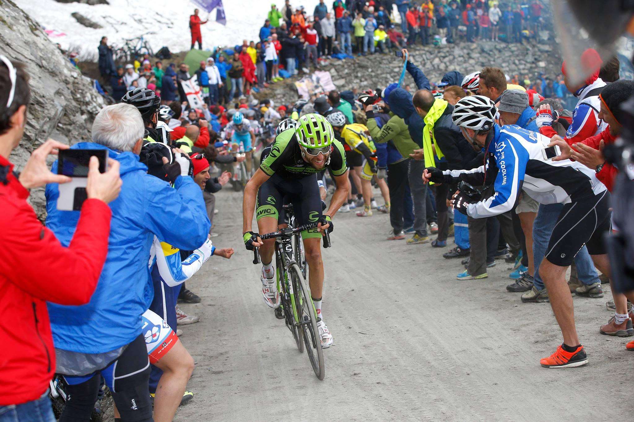 Die Tifosi feuern die Fahrer des Giro d'Italia 2015 an